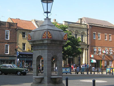 The Hollon Fountain and Market Place - Click to open full size image